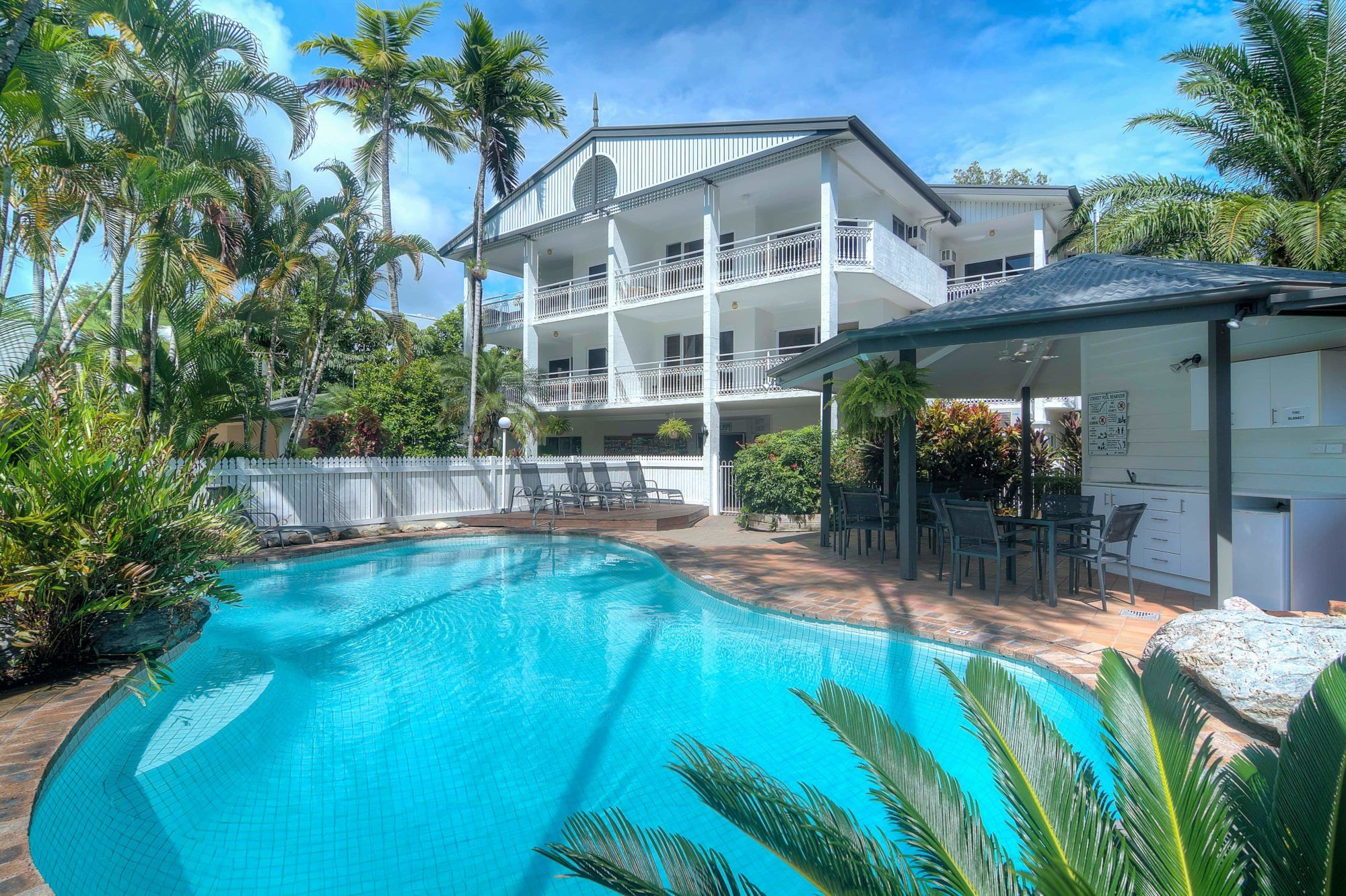 Garrick House Port Douglas Accommodation